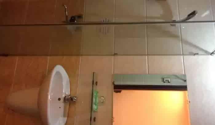 Nguyen Thanh Hotel - Bathroom