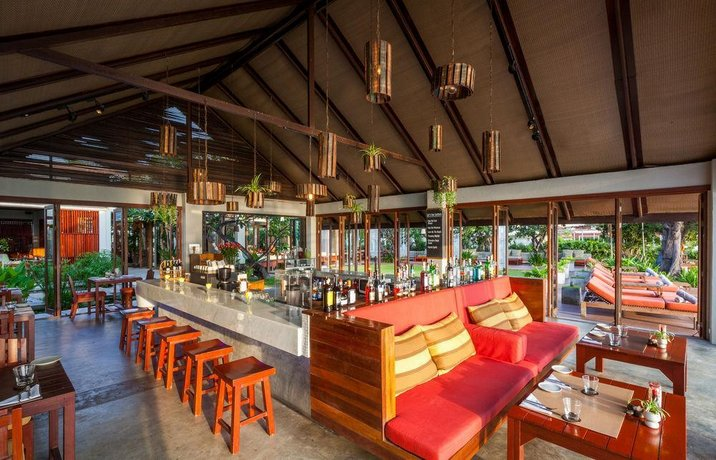 guest friendly hotels in Hua Hin - Let's Sea Hua Hin Al Fresco Resort  - Bar