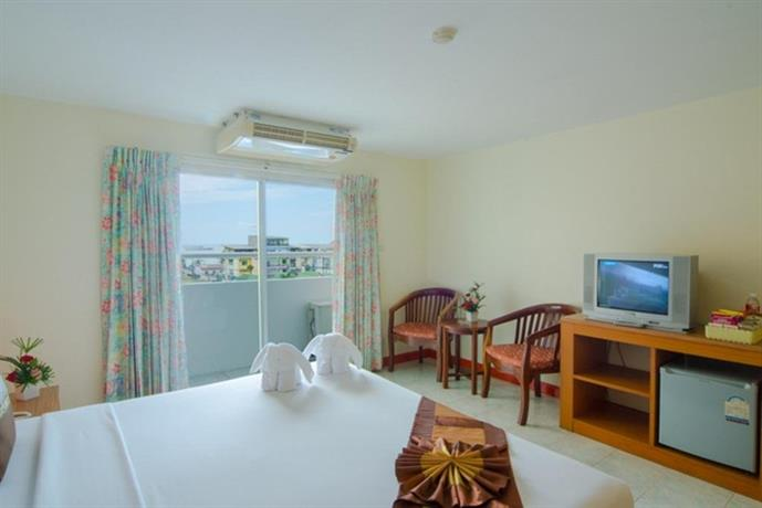 Guest Friendly Hotels In Pattaya - Eastiny Bella Vista Hotel & Residence - Bedroom