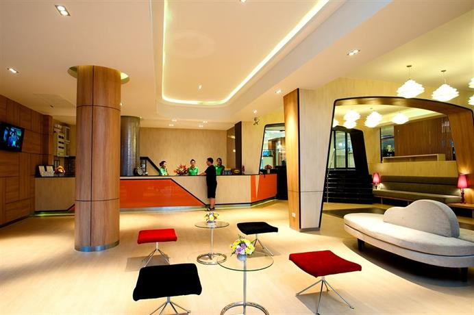 Guest Friendly Hotels In Pattaya - Flipper Lodge - Reception