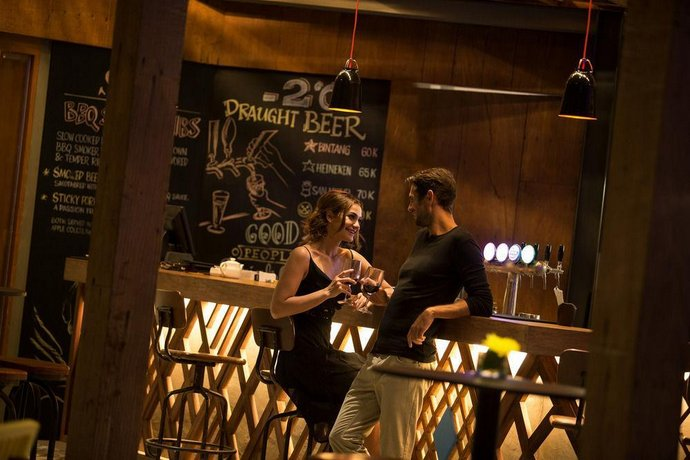 Bali Guest Friendly Hotels - Padma Resort Bali at Legian - Bar
