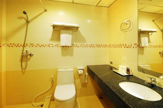 Guest Friendly Hotels In Pattaya - Baywalk Residence - bathroom