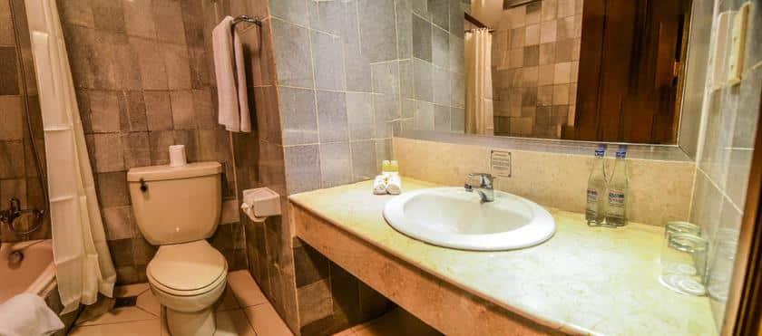 Bali Guest Friendly Hotels - Bali Garden Beach Resort - Bathroom