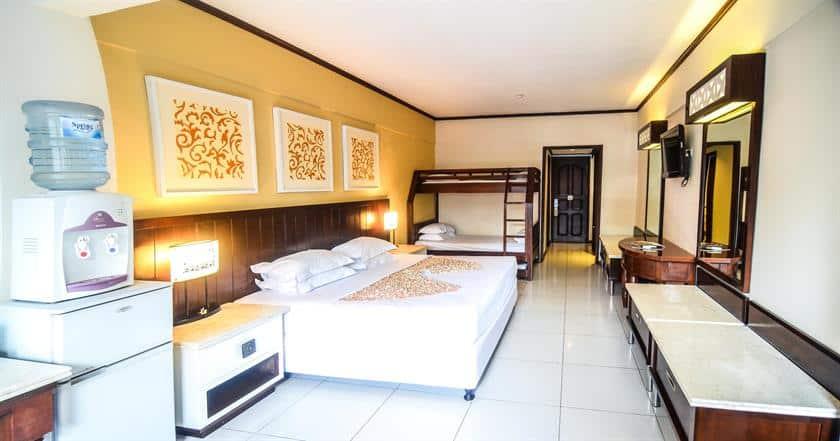 Bali Guest Friendly Hotels - Bali Garden Beach Resort - Bedroom