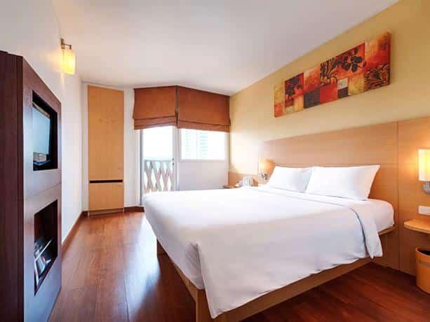 Guest Friendly Hotels In Pattaya - Ibis Pattaya Hotel - Bedroom