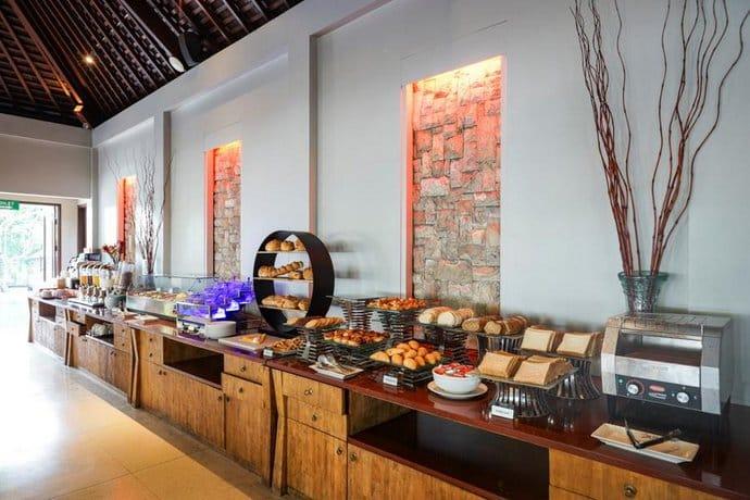 Bali Guest Friendly Hotels - Kuta Seaview Boutique Resort & Spa - Food