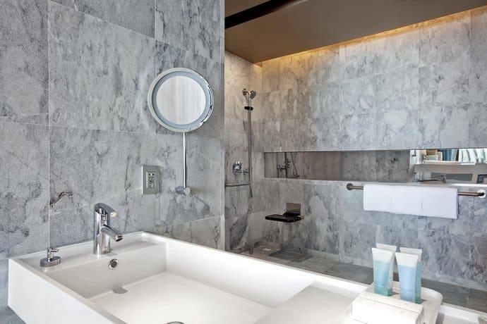 Guest Friendly Hotels In Pattaya - Hilton Hotel Pattaya  - Bathroom