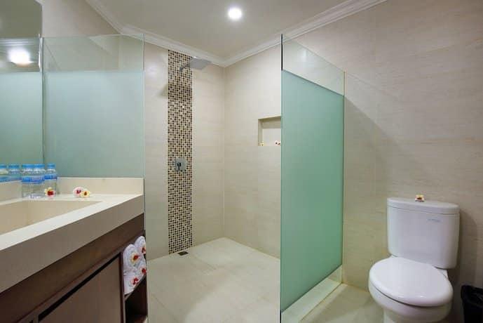 Bali Guest Friendly Hotels - Dewi Sri Hotel - Bathroom