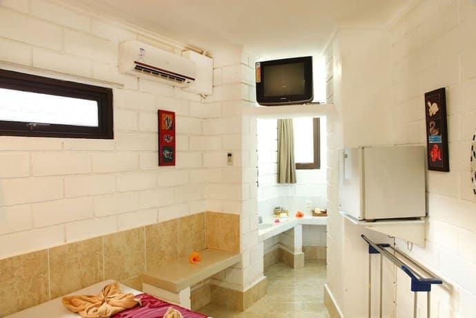Bali Guest Friendly Hotels - Vilarisi Hotel - Bedroom