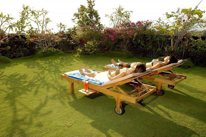 Bali Guest Friendly Hotels - Vilarisi Hotel - Garden