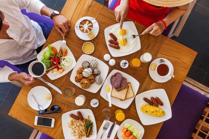 Bali Guest Friendly Hotels - Mercure Kuta Hotel - Food
