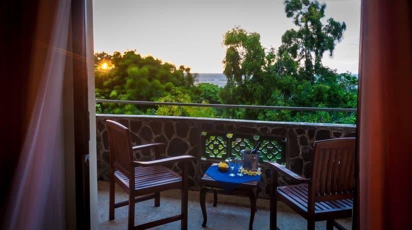 Bali Guest Friendly Hotels - Melasti Beach Bungalows & Spa