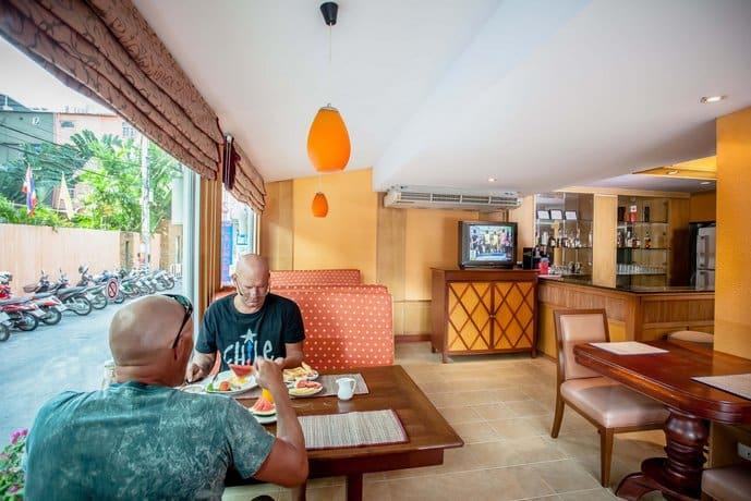 Guest Friendly Hotels In Pattaya - Eastiny Bella Vista Hotel & Residence - Restaurent