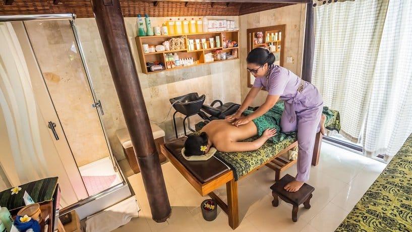 Bali Guest Friendly Hotels - Lokha Legian Hotel - Spa