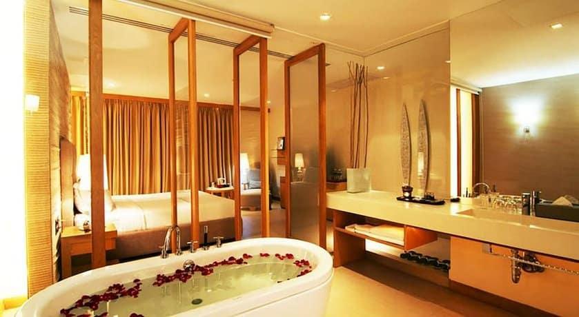 guest friendly hotels in Hua Hin - Dune Hua Hin Hotel  - bathroom