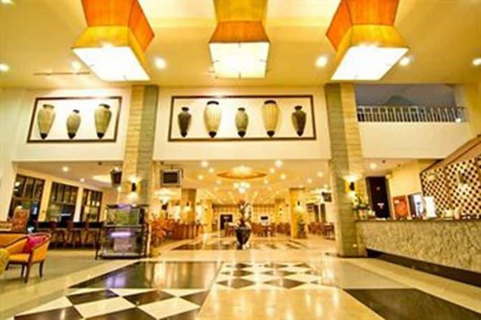 Guest Friendly Hotels In Pattaya - Best Beach Villa - Reception