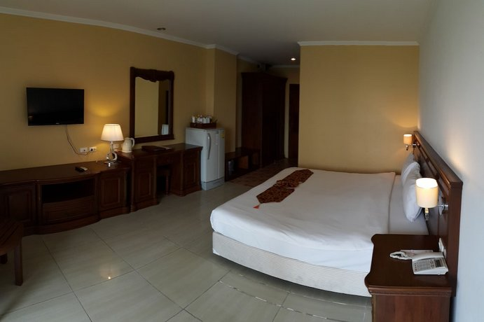 Guest Friendly Hotels In Pattaya - Best Beach Villa - Bedroom