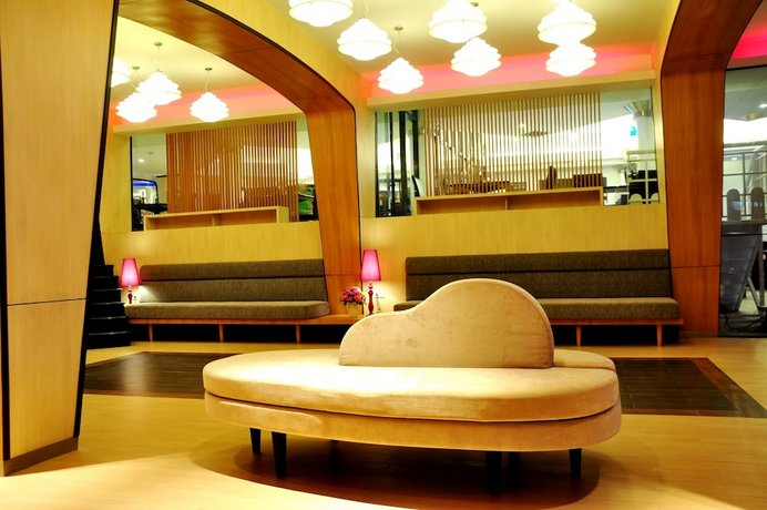 Guest Friendly Hotels In Pattaya - Flipper Lodge - Longue