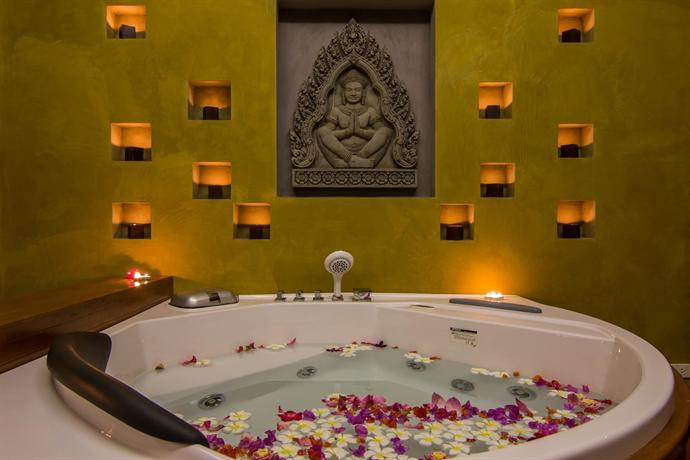 Angkor Palace Resort & SPA - Bath Tub