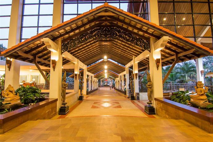 Angkor Palace Resort & SPA - Entry