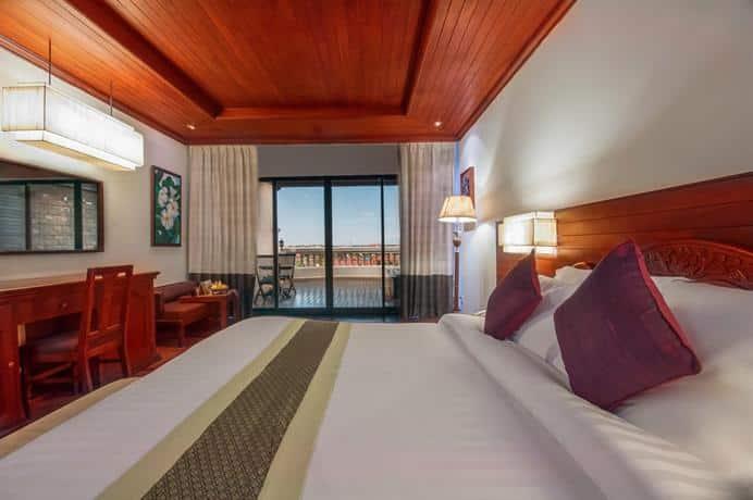 Borei Angkor Resort & SPA - Bedroom With Balcony