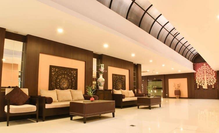 Boss Suites Nana Hotel - Lobby