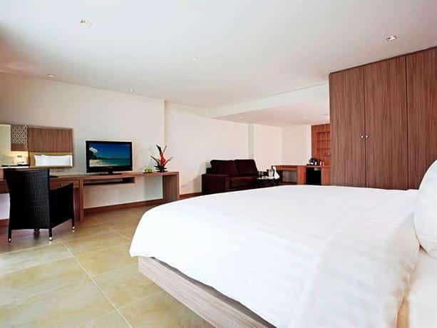 Centara Pattaya Hotel - Delux Bedroom