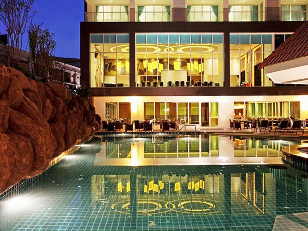 Centara Pattaya Hotel - Exterior View
