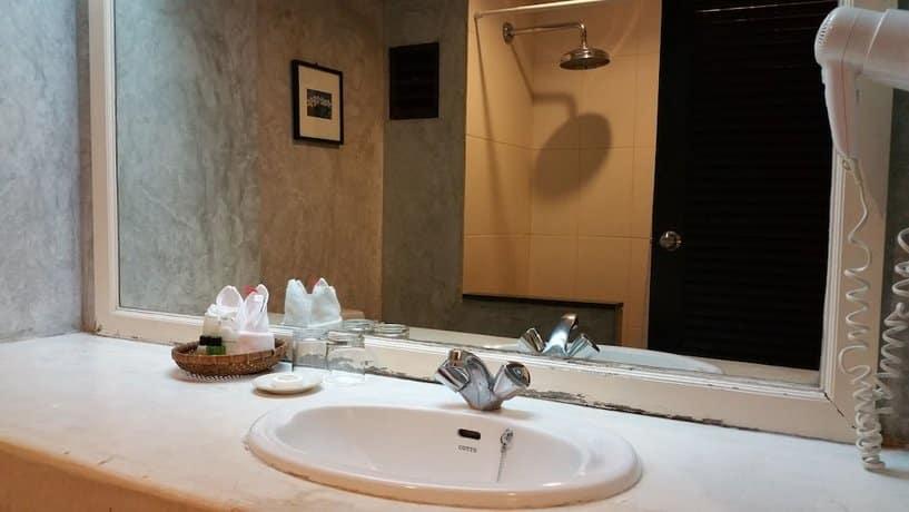 Grand Hotel Pattaya - Bathroom