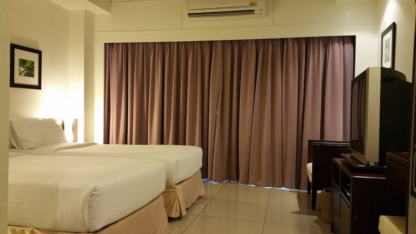 Grand Hotel Pattaya - Twin Suits