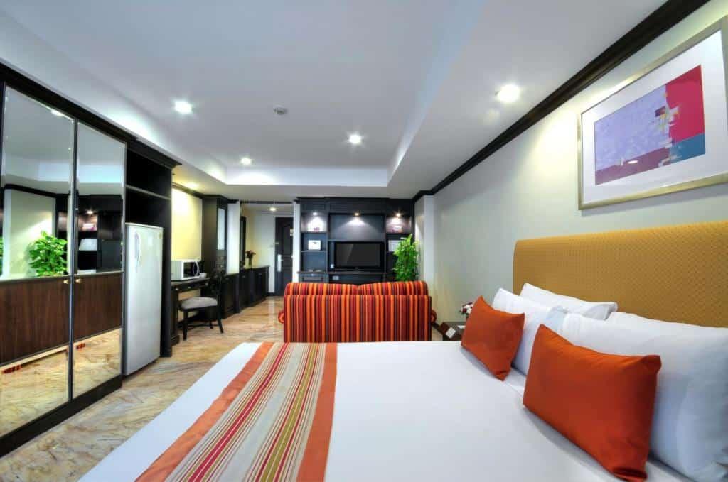 Grand President Hotel-Bedroom