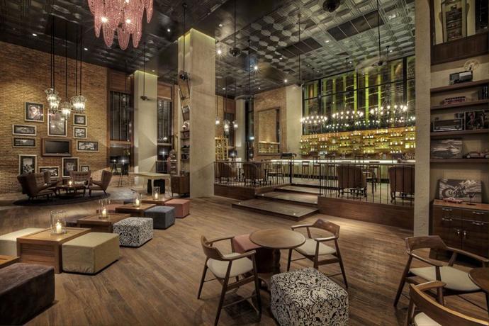 Holiday Inn Pattaya - Bar