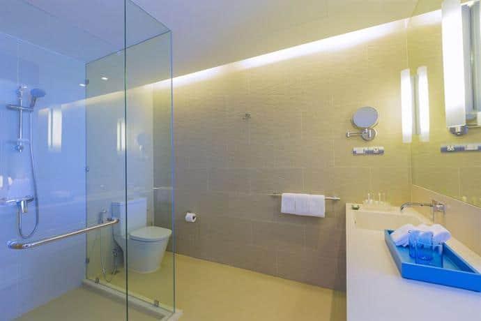 Holiday Inn Pattaya - Bathroom