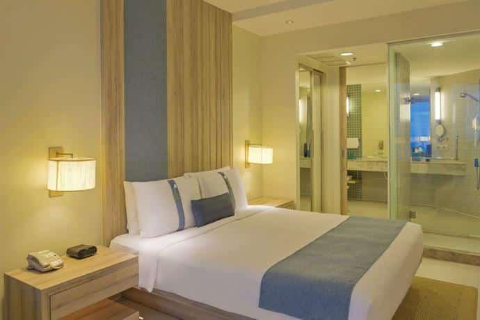 Holiday Inn Pattaya - Bedroom