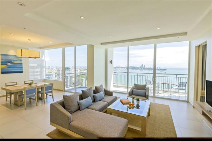 Holiday Inn Pattaya - Living Room
