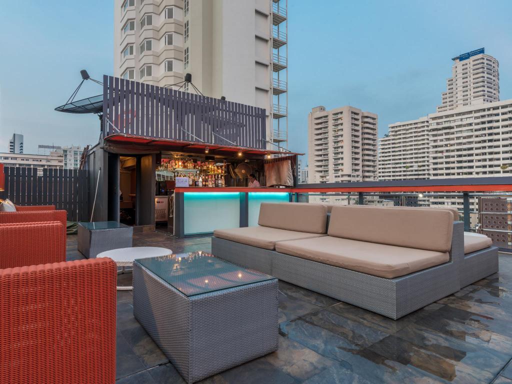 Hotel Solo Sukhumvit 2-Bar