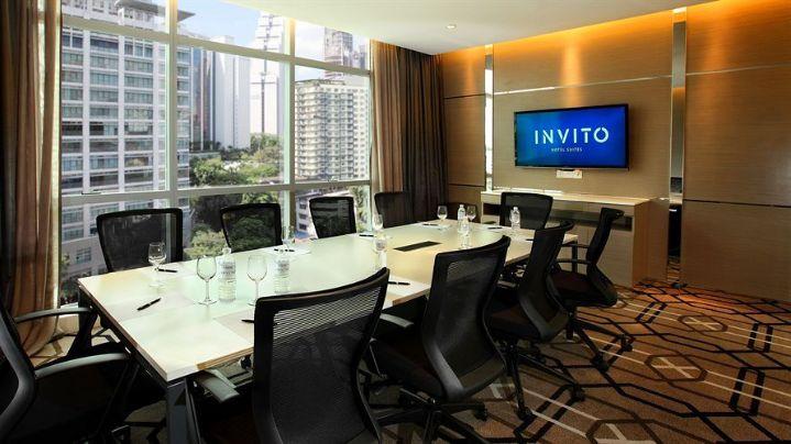 Invito Hotel Suites - Meeting Room