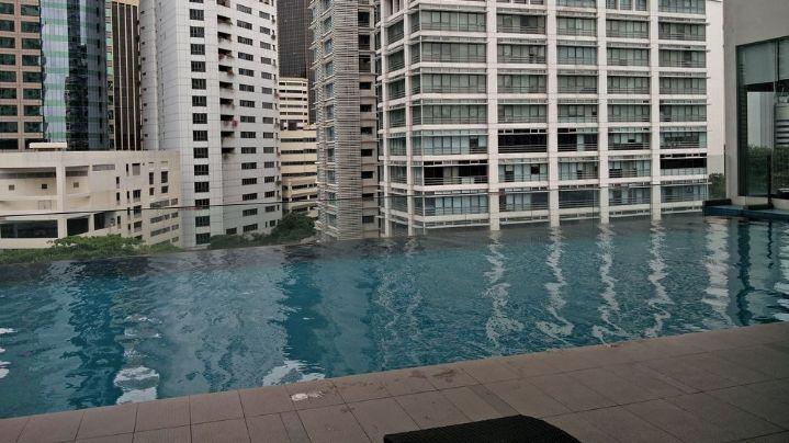 Invito Hotel Suites - Swimming Pool