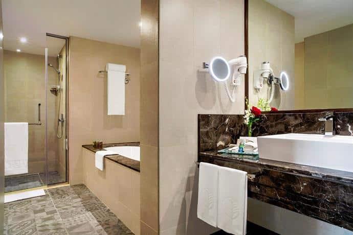 Jumeirah Rotana Washroom