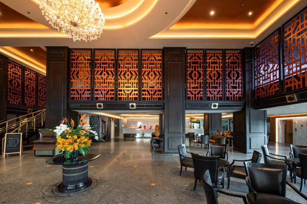 Manhattan Hotel-Lobby