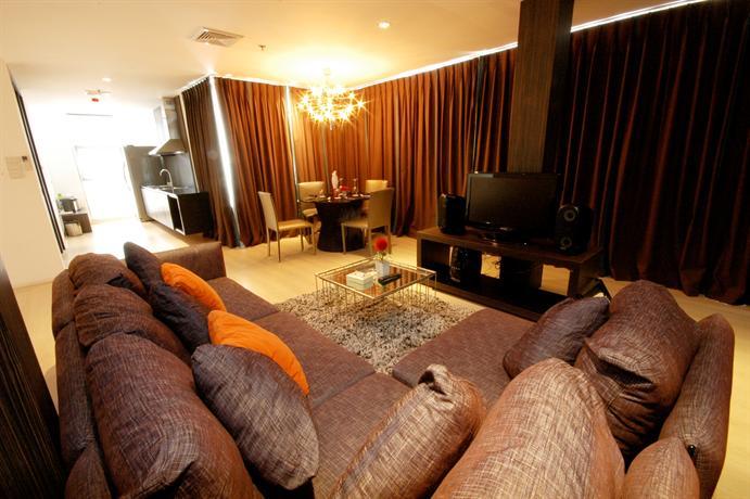 Manita Boutique Hotel - Bedroom With Sofa