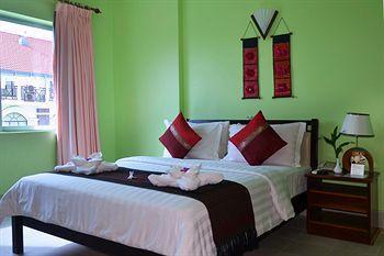 Parklane Hotel - Bedroom