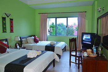 Parklane Hotel - Suit Twin Bedroom