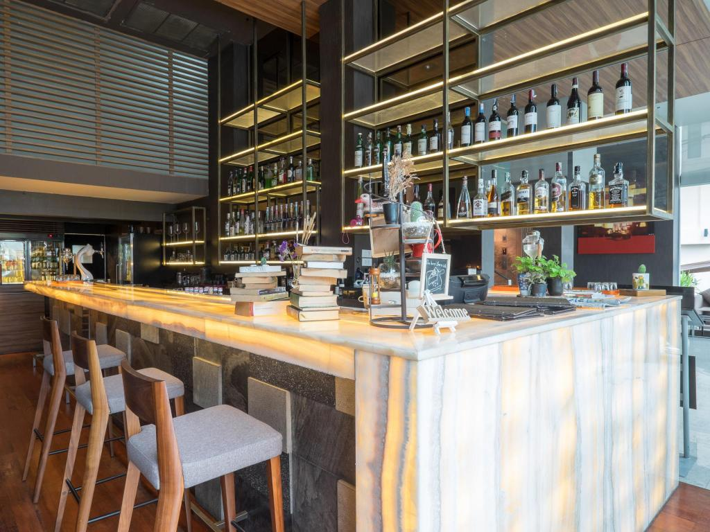 Sacha's Hotel Uno-Bar
