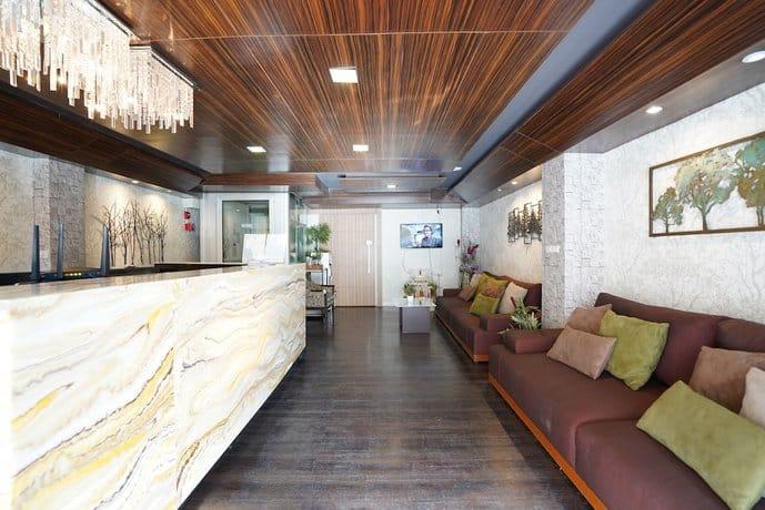 Serene Asoke Suites - Lobby Area