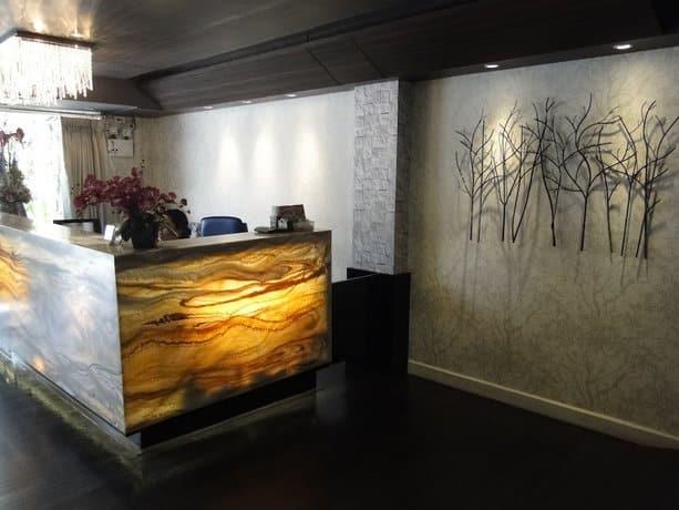 Serene Asoke Suites - Lobby