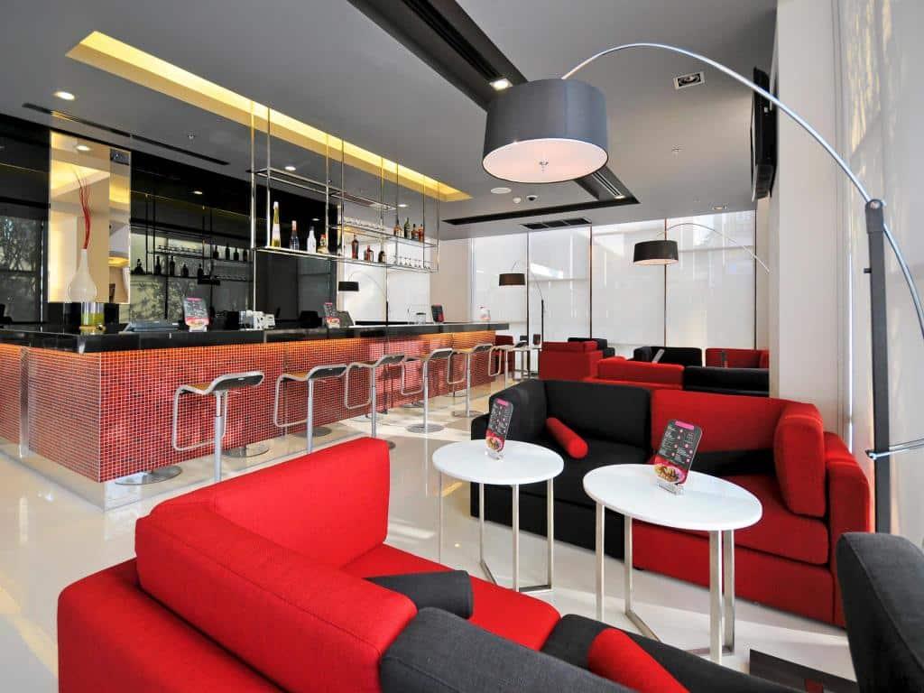 ibis Bangkok Sukhumvit 4-Bar